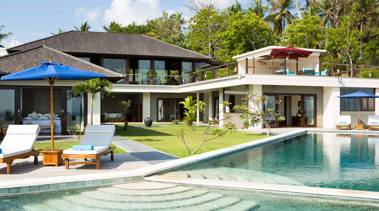 Rent this luxury Villa in Bali for your holiday with family or honeymoon