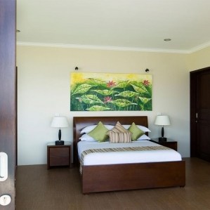 villa-bali-candidasa-luxury-multiple-bedrooms