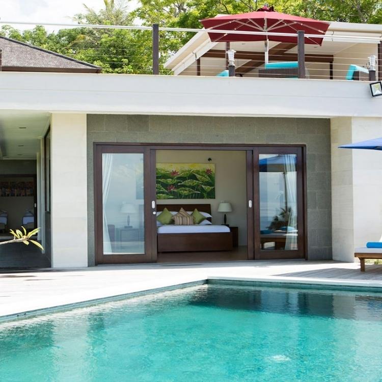 villa-bali-candidasa-luxury-poolside